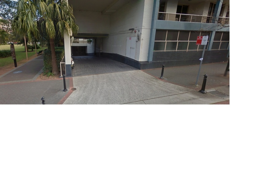 parking on Broome St in Waterloo NSW 2017