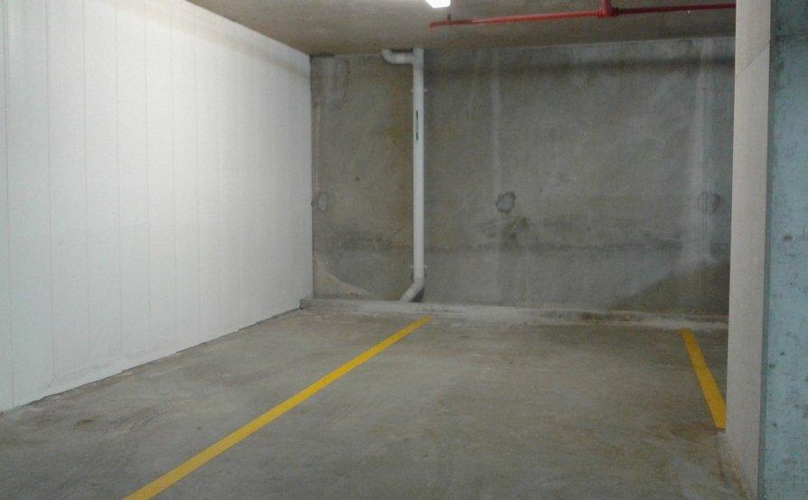 Lock up garage parking on Princes Hwy in Kogarah