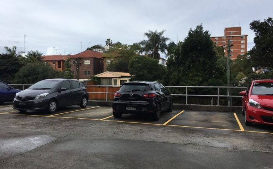 parking on High St in North Sydney