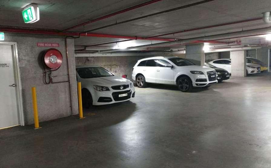 parking on Arncliffe St in Wolli Creek