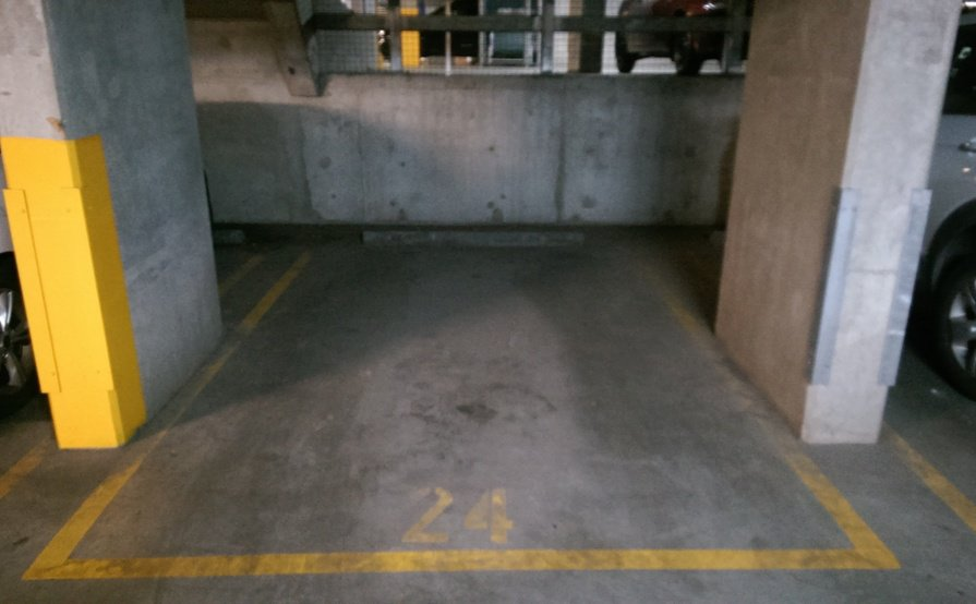 Single car park in New Quay, Docklands