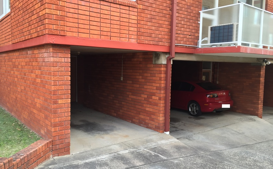 parking on Wentworth St in Randwick