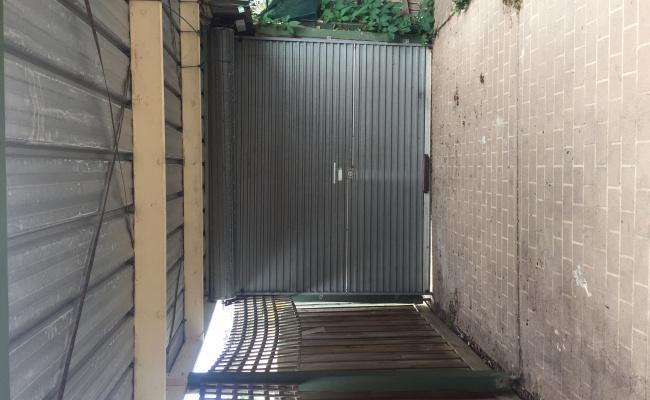 Lock up garage parking on A Edward st in Mitcham