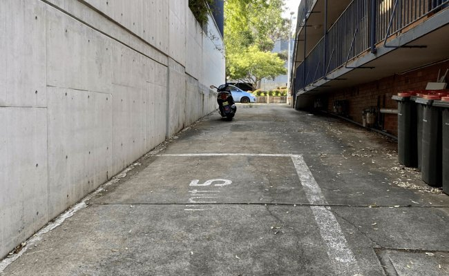 Darlington - Parking Space for Rent in near Syd UNI