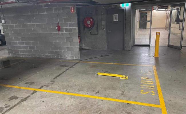 Nice Parking Space near Wolli Creek Station