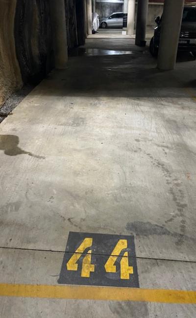 Darlinghurst - Secure Tandem Vertical Parking Close to St Vincent's Hospital (Inner Spot)