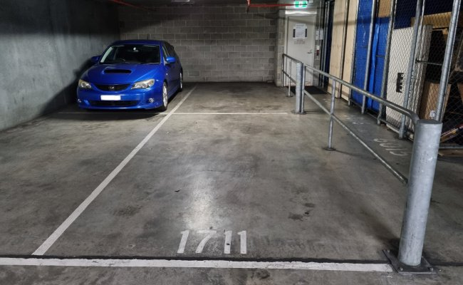 Secure Double Parking next to Southern Cross station