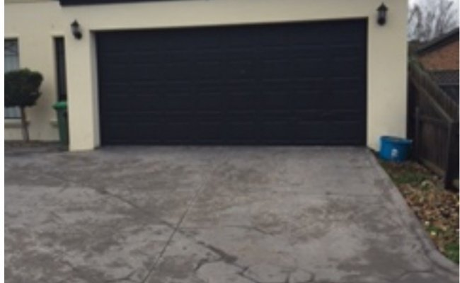 Driveway parking on Bowler Court in Bundoora