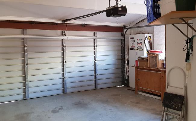 Lock up garage parking on brindisi ave in Isle of Capri