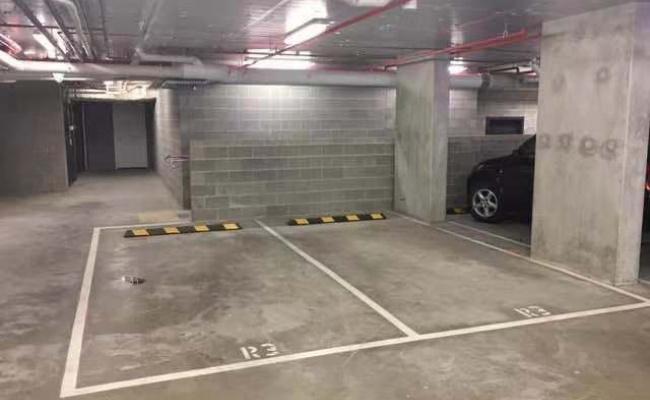 Box Hill - Carpark  near Shopping Center