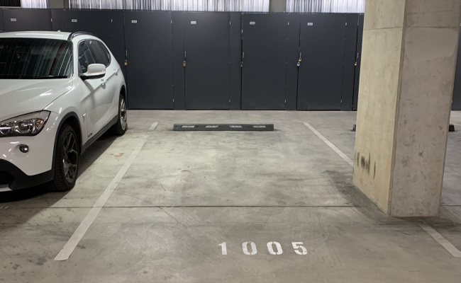 Lock up garage parking on Bunda Street in Canberra