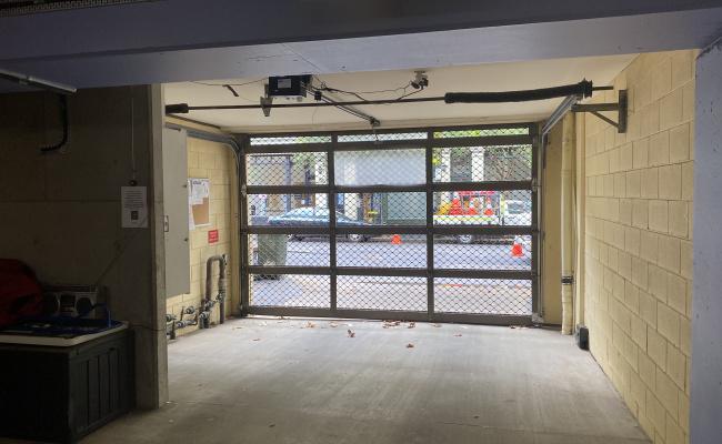 Lock up garage parking on Crown Street in Woolloomooloo