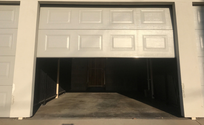 Secure, Lock up Single Garage with Remote in Chermside