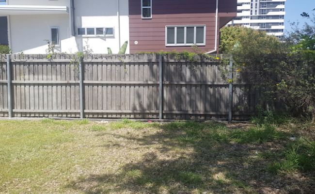 Outdoor lot parking on Linton St in Kangaroo Point QLD 4169