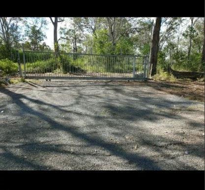 Outdoor lot parking on E Owen St in Raceview