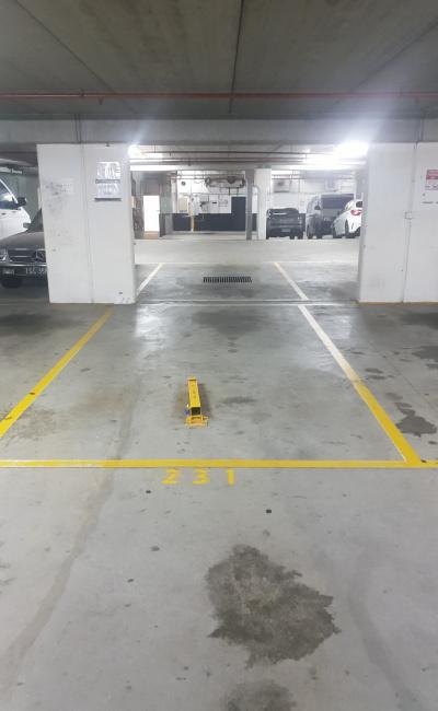 THE PERFECT SECURE CAR SPACE IN ST KILDA