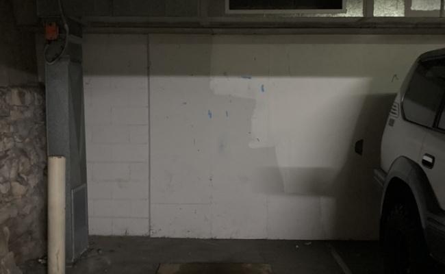 Bondi Beach - Secure underground parking