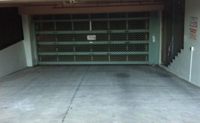 Lock up garage parking on Harbourne Rd in KINGSFORD