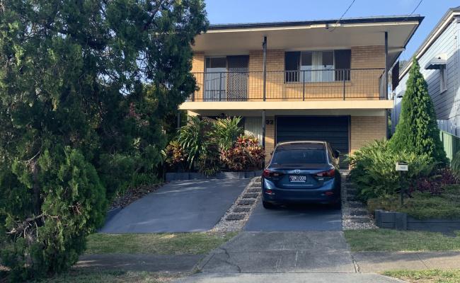 Driveway parking on Harrogate Street in Woolloongabba Queensland