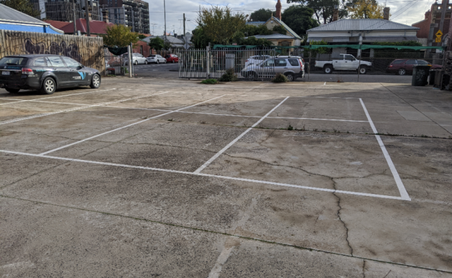 50% OFF 1st MONTH - Outdoor parking on Hotham St