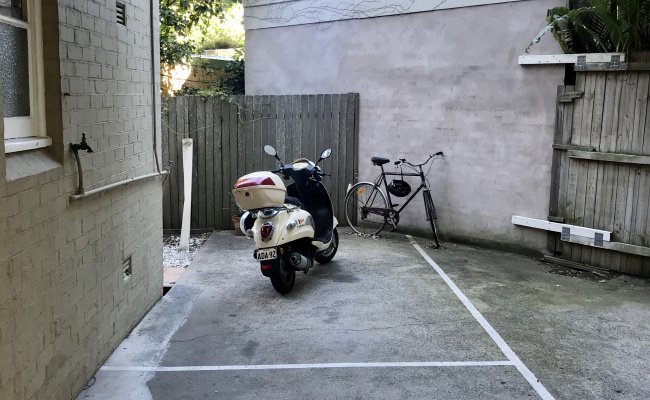 Driveway parking on Illawong Avenue in Tamarama New South Wales