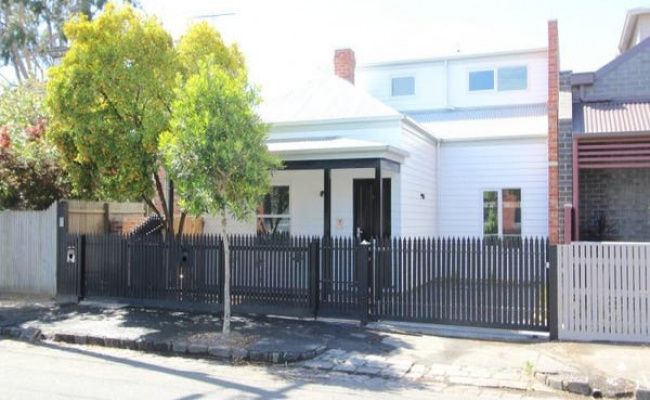 Spacious off street parking in Collingwood