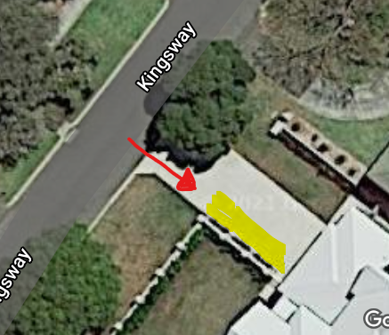 Large off-street parking space 10 minute walk from UWA