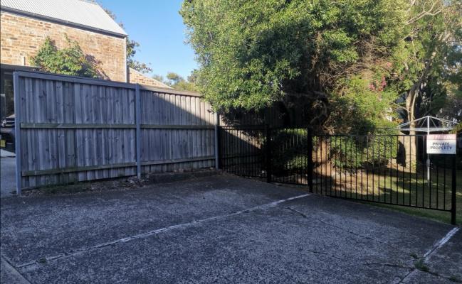 Safe Outdoor Parking in Dead-End Lane