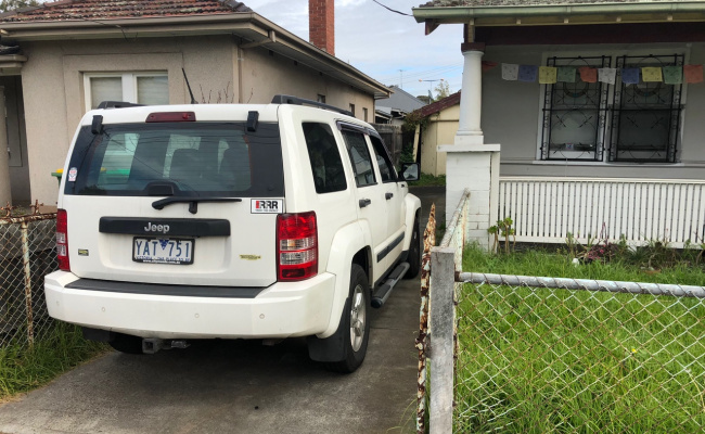 Footscray - Safe Private Driveway Parking near Hospital