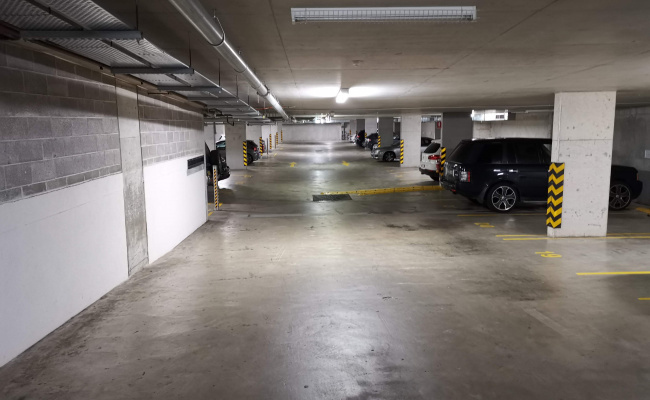 24/7 Underground Parking in Alexandria