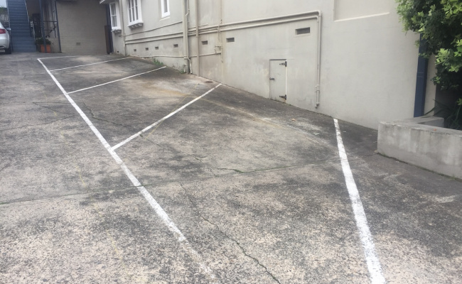 Driveway parking on O'dowd Street in Waverley New South Wales