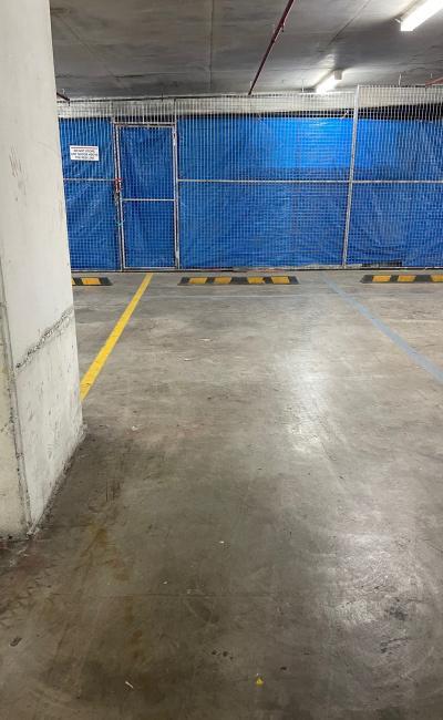 Botany - Secure Garage for Parking near Bus Stop