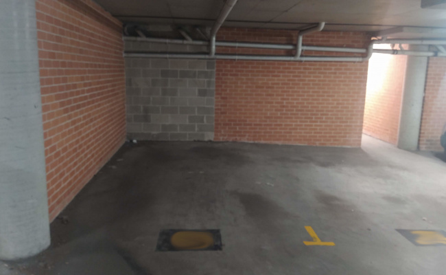 Secure underground parking on Pitt street