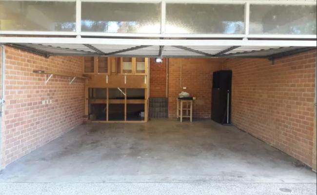 Lock up garage parking on Riley St in North Sydney NSW 2060