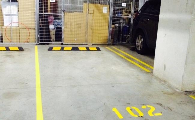Carport parking on Shoreline Drive in Rhodes