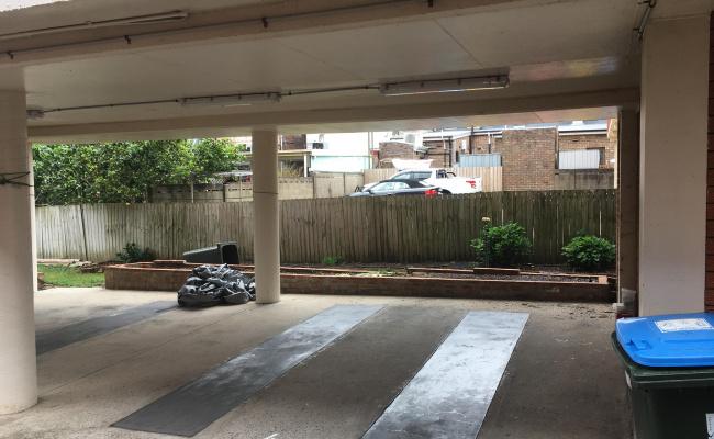 Undercover parking near Bronte Beach