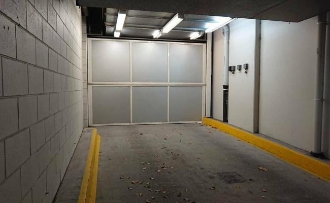 Melbourne CBD parking space(remote access)