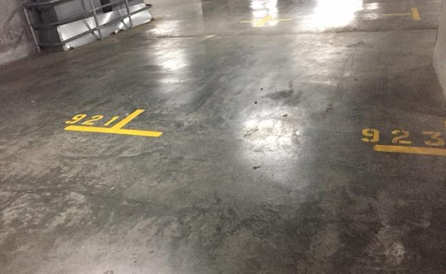 Indoor lot parking in Swanston Street (2/2)