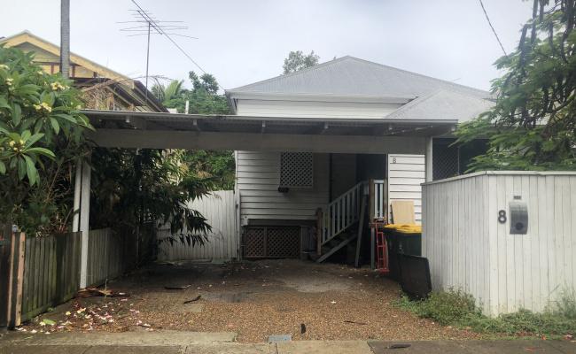Driveway parking on Sword Street in Woolloongabba Queensland