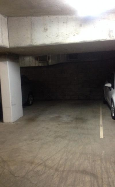 Great Indoor Parking Space Near CBD (Spring Hill)