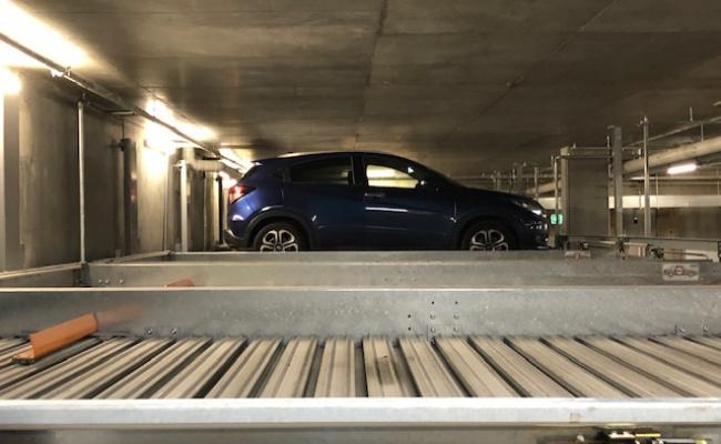 Indoor lot parking on Victoria St in Windsor