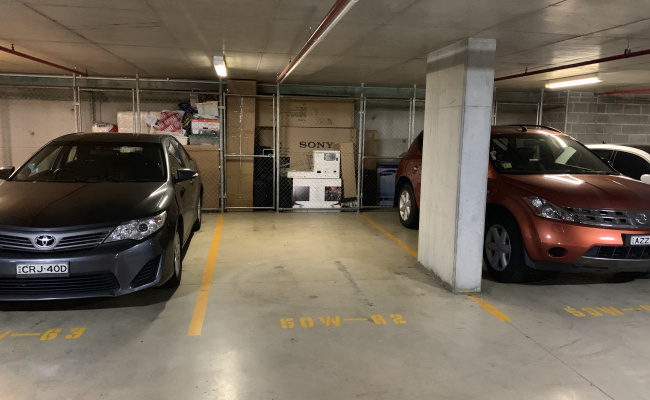 Great carpark near Rhodes station