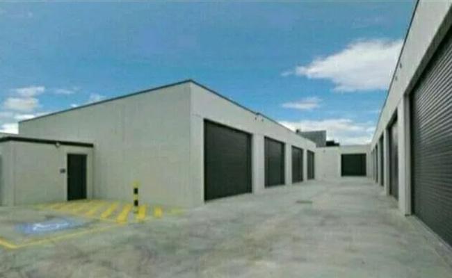 Lock up garage parking on Whitfield Boulevard in Cranbourne West Victoria