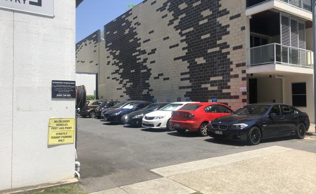 Outdoor lot parking on Wyandra Street in Teneriffe