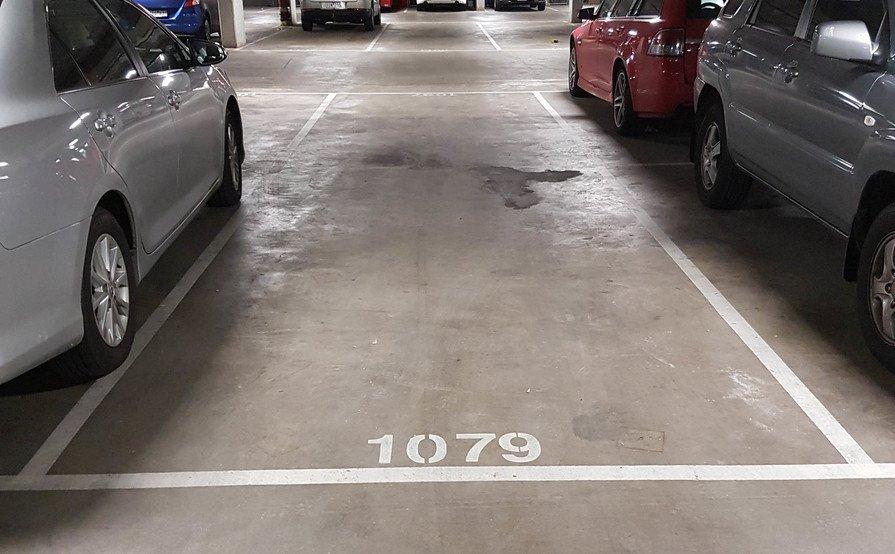 Lock up garage parking on Harbour Esplanade in Docklands