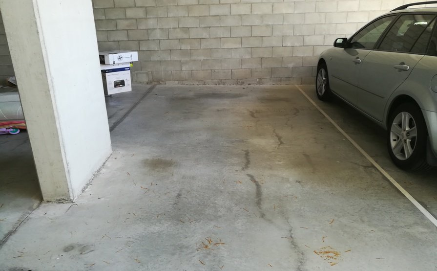 Indoor lot parking on Lamington Avenue in Lutwyche
