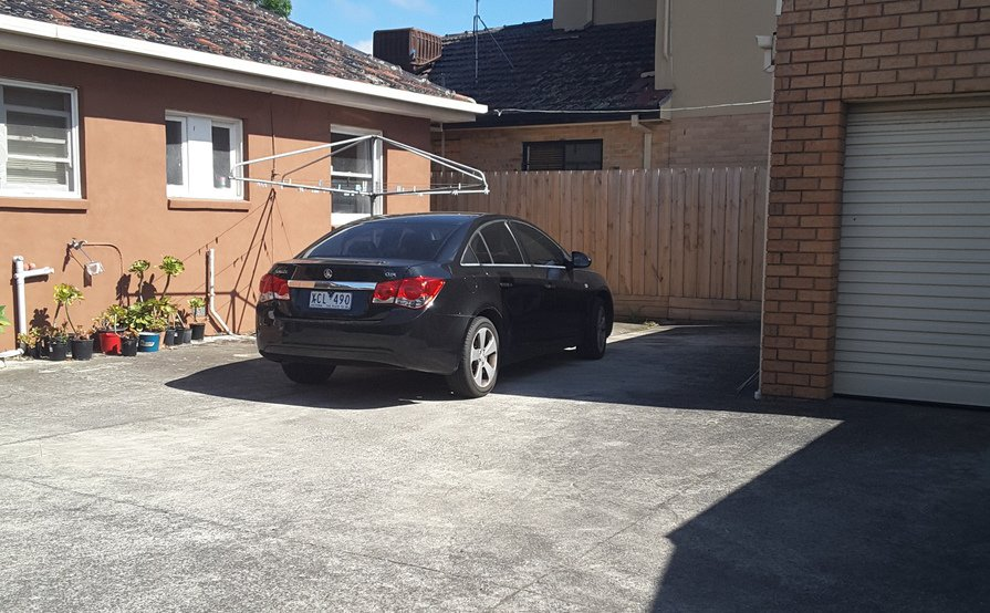 Outside parking on McLeod St in Thomastown