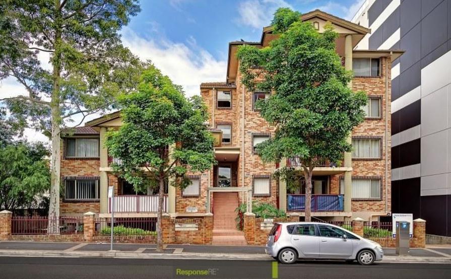 Lock up garage parking on Cowper St in Parramatta